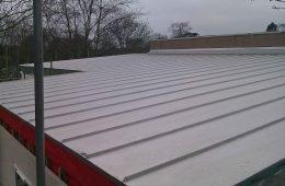 Aluminium roof on primary school